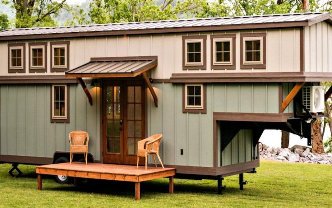 Stunning Well-Crafted Gooseneck Tiny House on Wheels