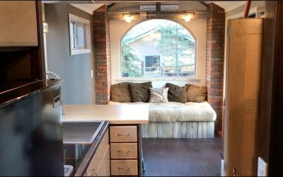 Rustic and Elegant Tiny House for Minimalist Bliss